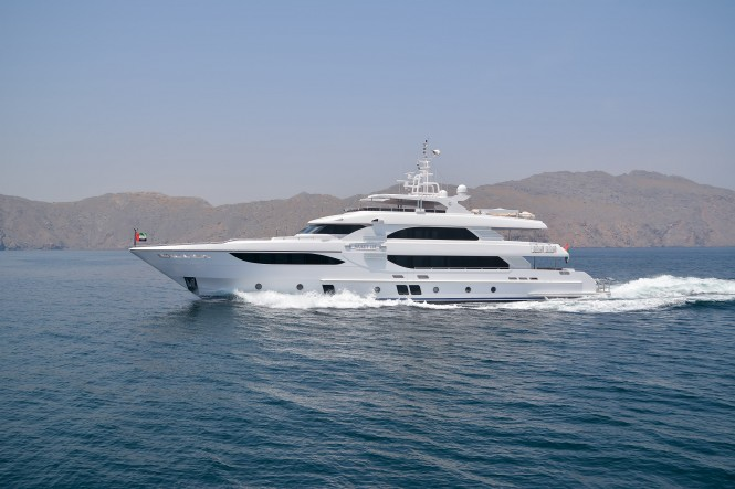 Majesty 135 Yacht - MY Jewel