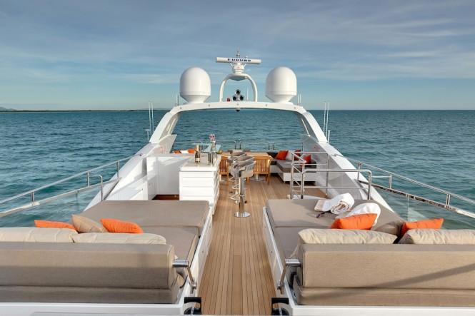 Mangusta 132 Superyacht - Sunpads