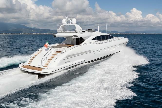 Mangusta 132 Yacht - Running Shot
