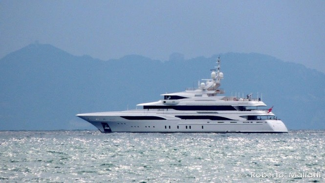 Mega yacht Formosa - Photo by Roberto Malfatti