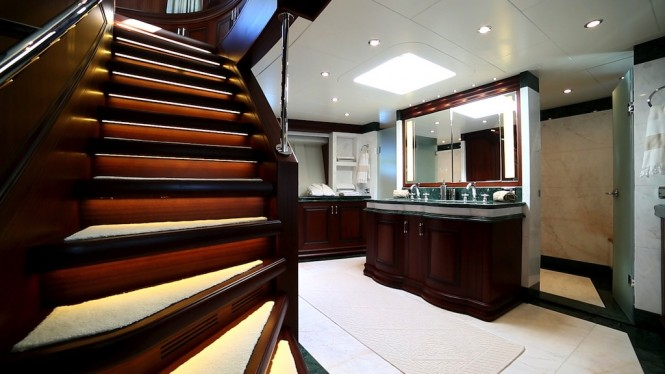 Motor Yacht Clarity maindeck forward owners suite