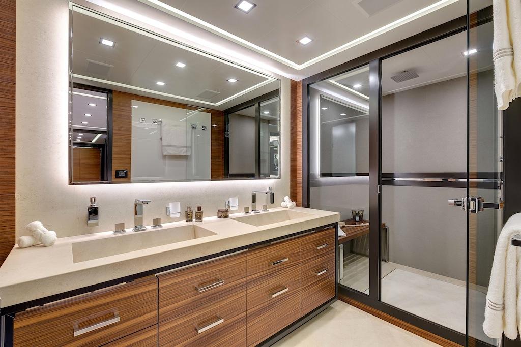 Motor yacht mangusta 132 bathroom yacht charter for Bathroom design hull