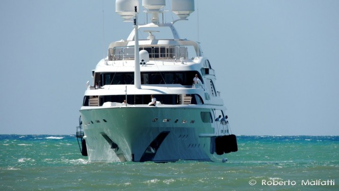 Superyacht I DYNASTY - front view - Photo by Roberto Malfatti