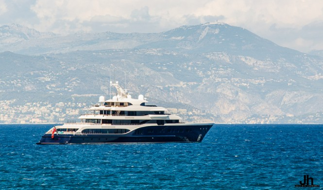 Superyacht SYMPHONY - Photo by Julien Hubert