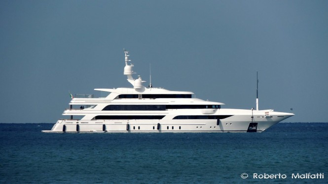 BENETTI Mega Yacht CHOCOLAT (FB264) underway in Italy - Photo by Roberto Malfatti