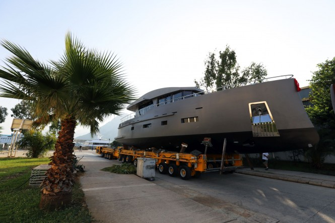 Bering 70 - Steel Luxury Yacht - Launch 9.10.2015