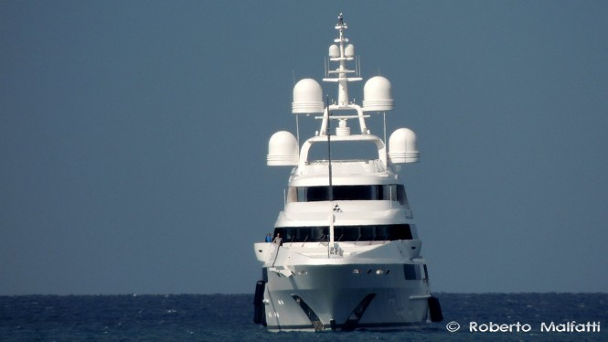 CHOCOLAT Yacht - front view - Photo by Roberto Malfatti