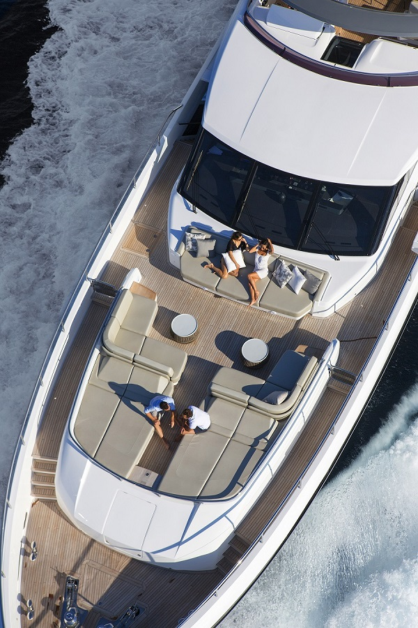 Luxury yacht ANTHEY II - Foredeck