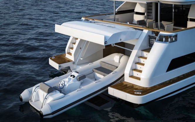 Luxury yacht Navetta 37 - aft view - tender