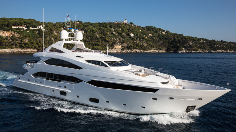 Sunseeker 40 Metre Yacht THUMPER - Photo by Jeff Brown