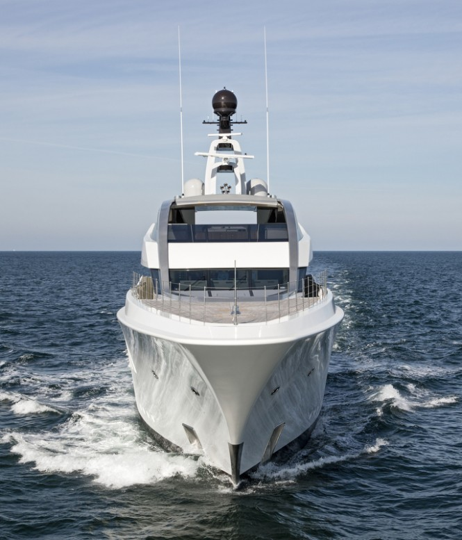 HALO Yacht - front view
