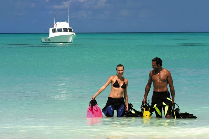 Couple ScubaDiving - Photo Charmaine Spencer - Antigua and Barbuda Tourism Authority