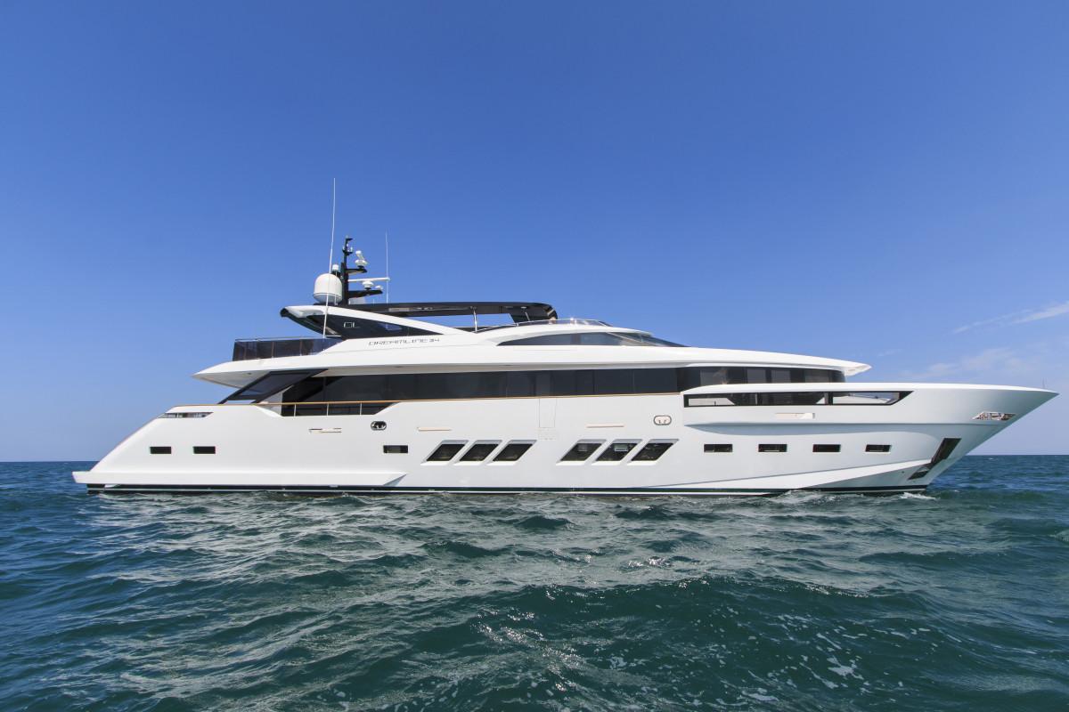 Luxury Motor Yacht Dreamline 34m By Dl Yachts Luxury