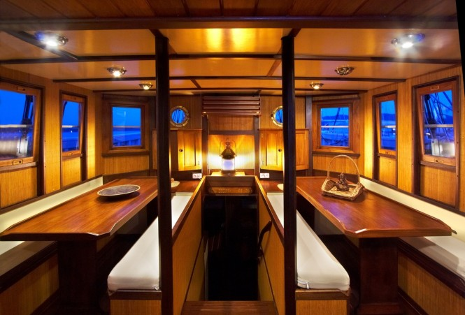 Super Yacht RAJA LAUT