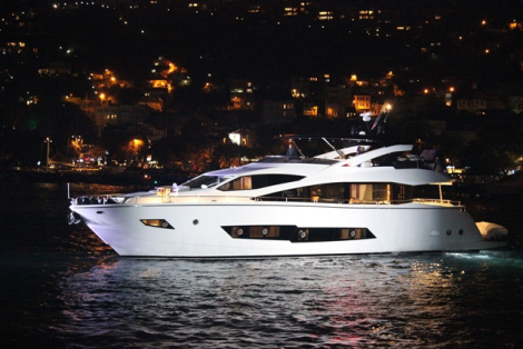 The Sunseeker 86 Yacht on the Bosphorus
