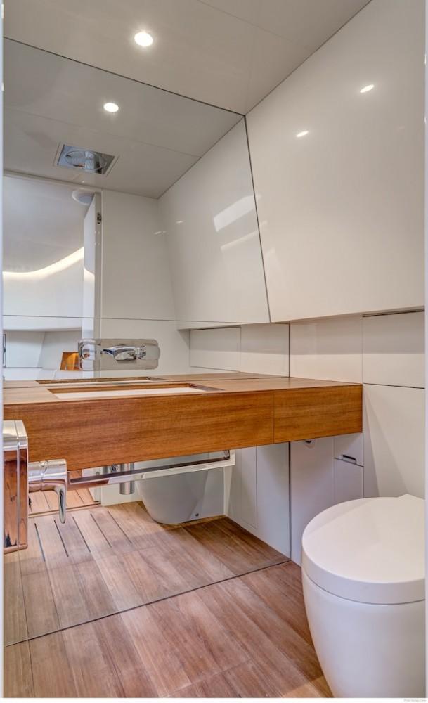 Yacht Tender ALEN 55 - bathroom