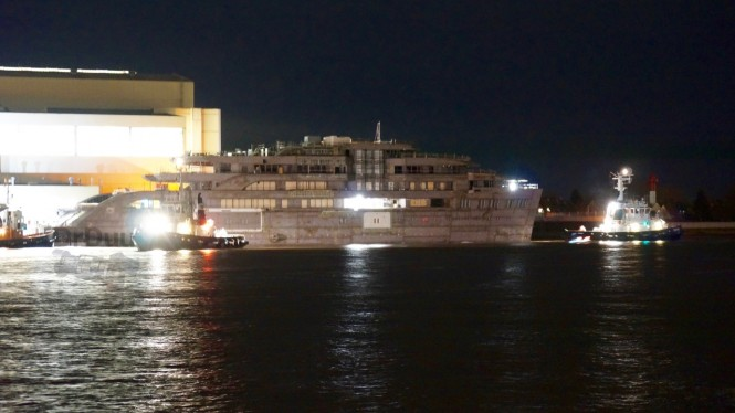 100m+ Lurssen Yacht being moved to another shed - Photo by DrDuu