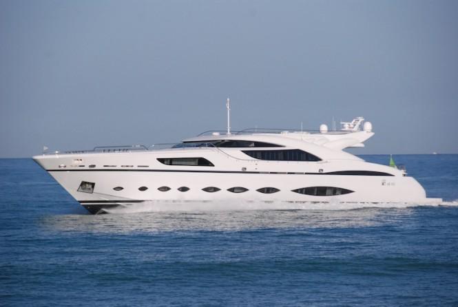 AB145 yacht - cruising
