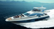 Azimut Flybridge 80 superyacht at full speed