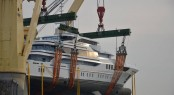 Lifting of luxury yacht GENESIS II