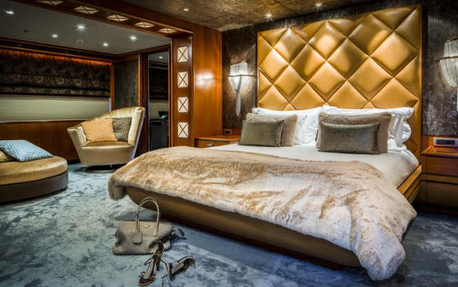 Luxury yacht LADY INDIA - Cabin - Photo by Peter Baas