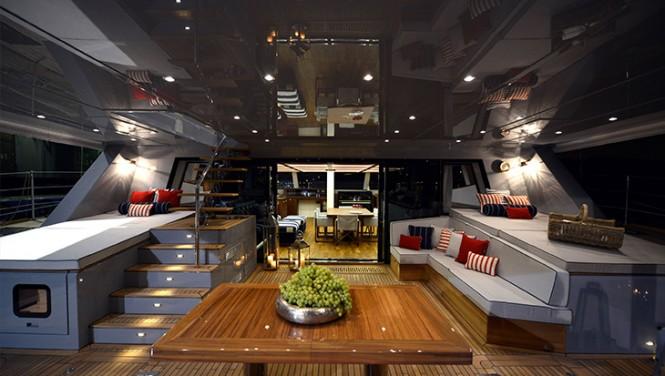 Luxury yacht LUCY Z - Cockpit