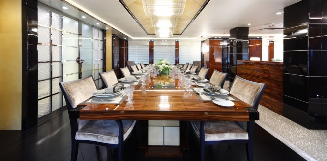 Superyacht MERIDIAN - Dining