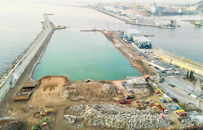 Construction of Marina Vela in Barcelona