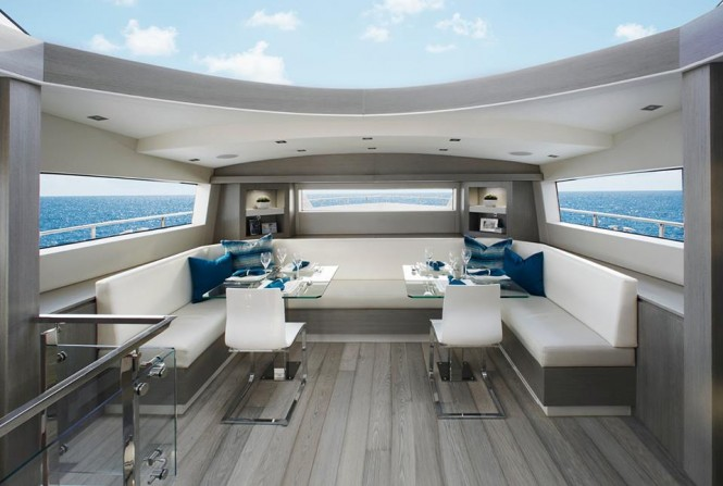Luxury yacht Hatteras 70 - Dining