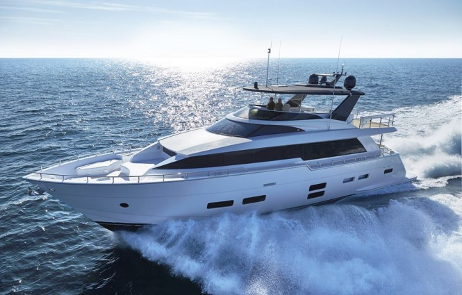 New Hatteras 70 by Hatteras Yachts underway