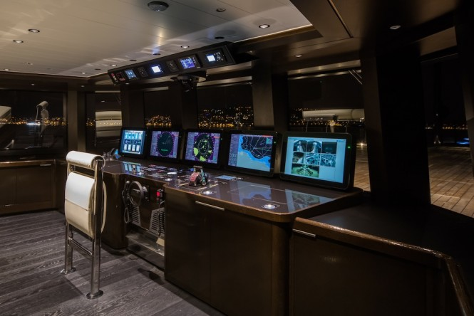 Wheel house - superyacht ATLANTE