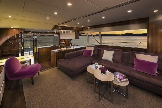 77 Enclosed Flybridge - Interior
