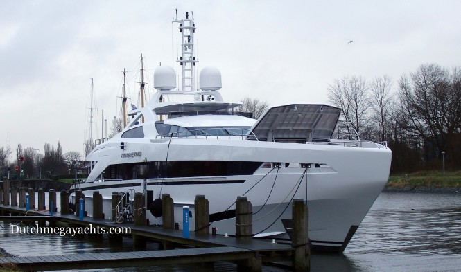 Amore Mio - front view - Photo by Dutchmegayachts
