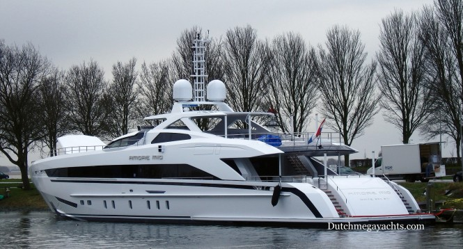 Amore Mio in Hellevoetsluis - aft view - Photo by Dutchmegayachts
