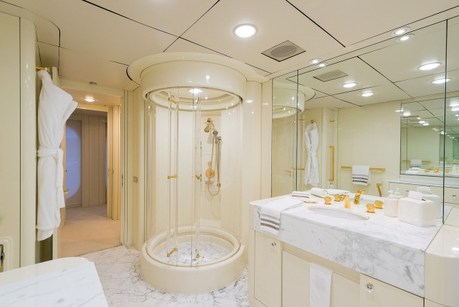 MY SHES A 10 - Ensuite shower