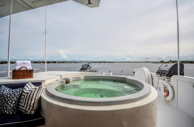 Motor Yacht LADY Z - Jacuzzi