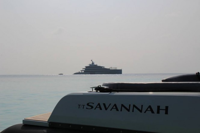 Savannah and her tender - Photo @dougiesocean and Feadship Fanclub