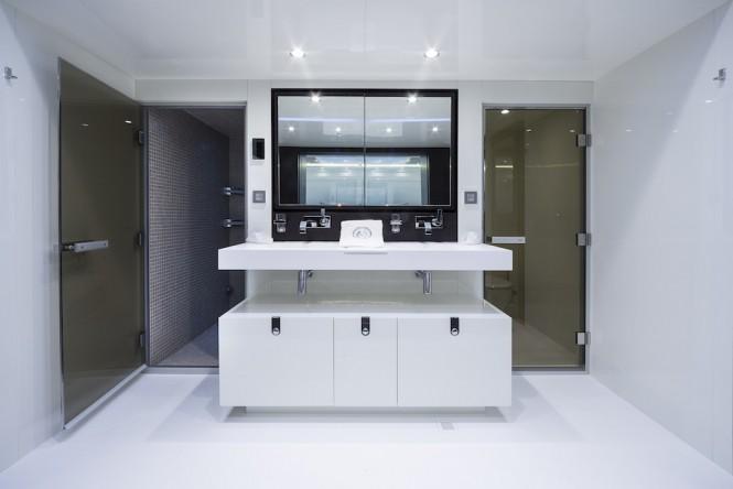 Owner en suite bathroom ©Guillaume Plisson
