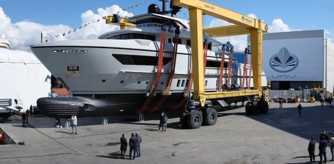 SANLORENZO launch motor yacht X