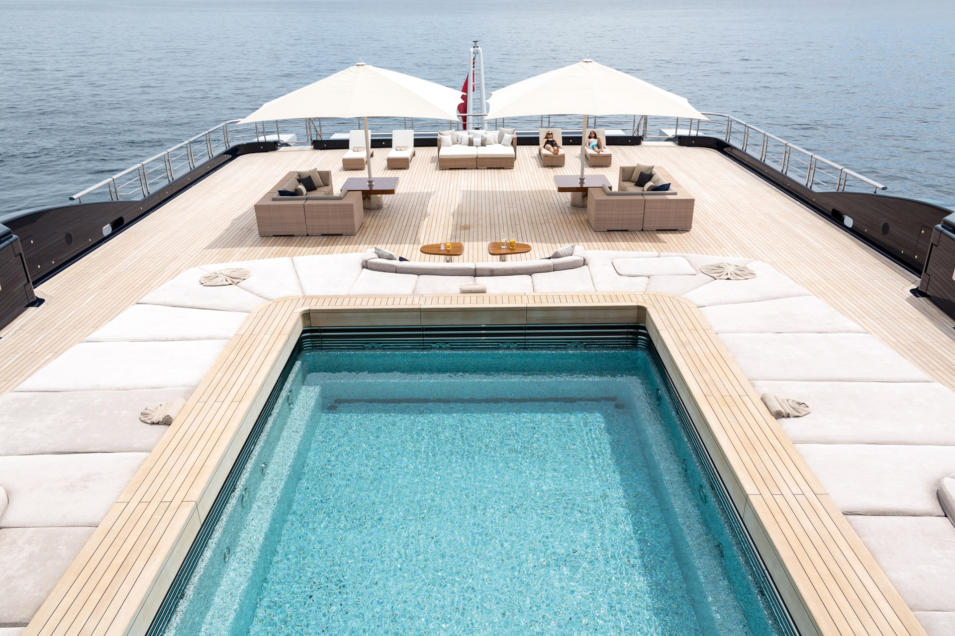 Luxury superyacht keyla interior by hot lab luxury yacht charter - Explorer Yacht Luna S Aft Pool
