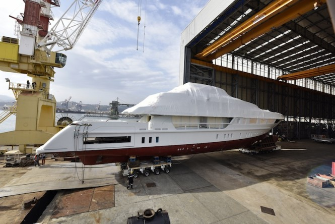 52Steel Yacht by Sanlorenzo being moved to La Spezia