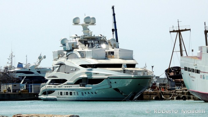 Benetti FB 262 - Photo by Roberto Malfatti