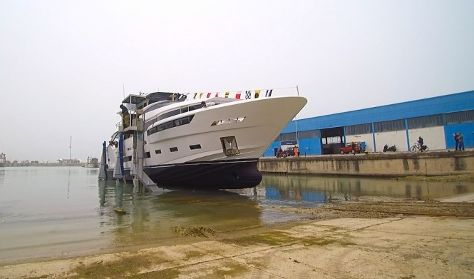 Motor Yacht DREAMLINE 26 at launch