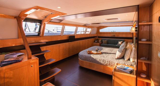 WINDQUEST interior