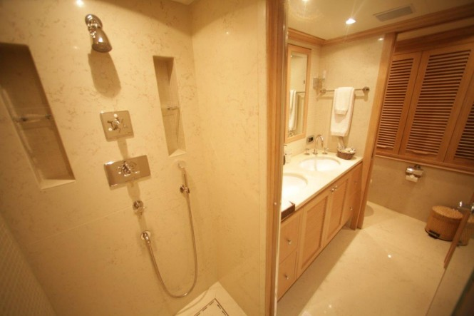 QUEST R - bathroom