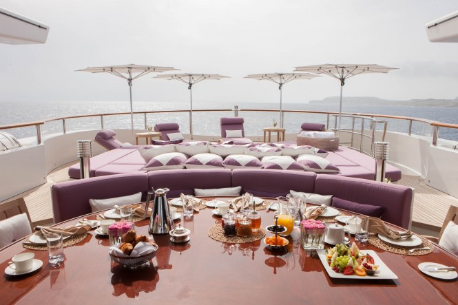 ST DAVID - al fresco dining and relaxation