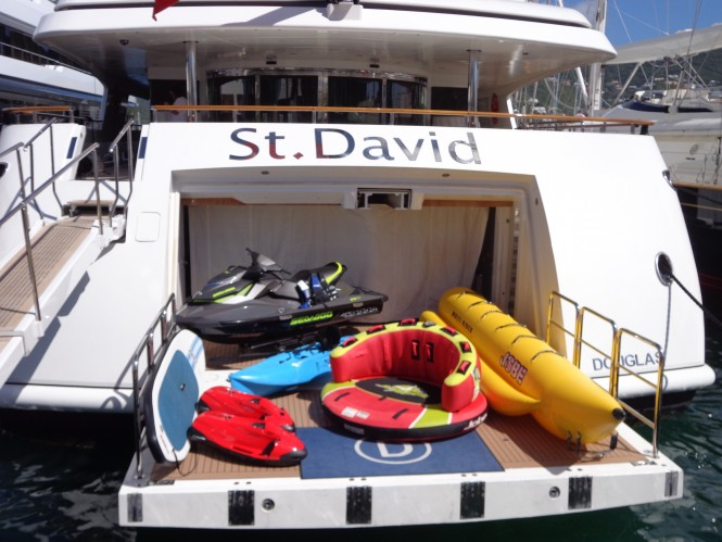 ST DAVID - selection of water toys