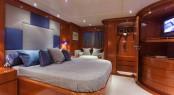 ZAMBEZI - master cabin