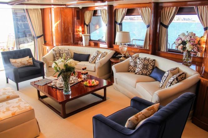 Luxury yacht DXB salon