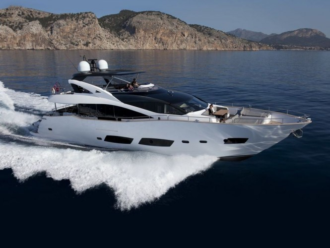 Motor yacht AQUA LIBRA